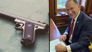 Texas lawmakers have passed a bill that allows residents to carry handguns without possessing permits.